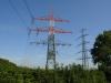 Strommasten auf dem Acker