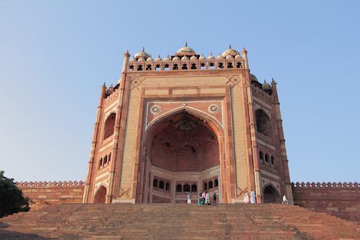 das Buland Darwaza ist über 40 m hoch und 1602 von Akbar dem Großen erbaut