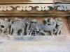 das Antarapatra mit Elefantenmotiven am Chitragupta Tempel
