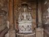 Skulptur innerhalb des Parsvanatha Tempels