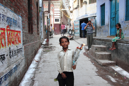 in Varanasi brennt immer irgendwas