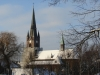 """die Kirche der katholischen Gemeinde """"Heilige Familie"""" aus Richtung S-Bahn gesehen"""