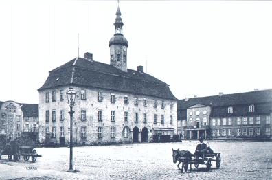 Rathaus und Palais