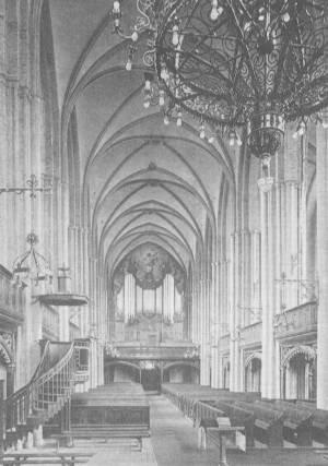 Innenansicht der Marienkirche um 1920