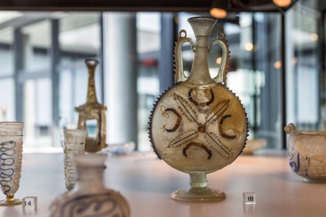plattbauchige Schlangenfadenflasche; um 3. Jh. n. Chr.