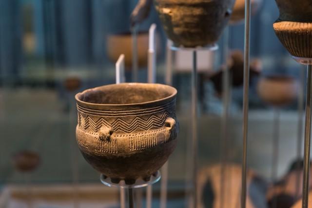 verzierter Trichterbecher; 3.500 bis 2.800 v. Chr.