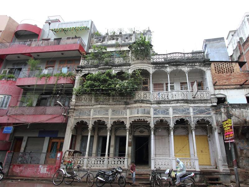 Altes Haus mit schöner Fassade