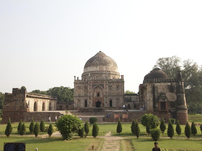 Bara-Gumbad und Bara-Gumbad Mosque