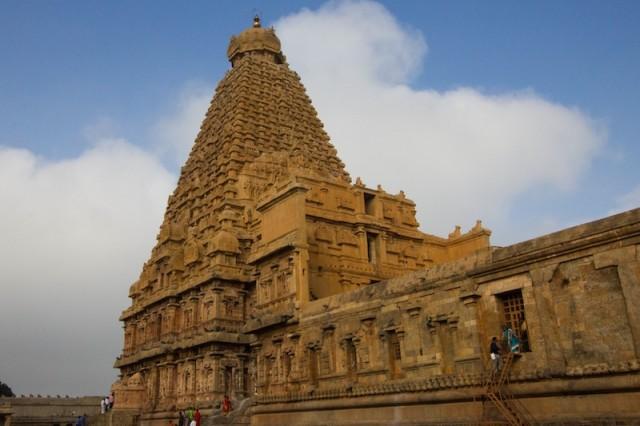 Brihadisvara Temple (zwischen 1003 und 1010 erbaut)
