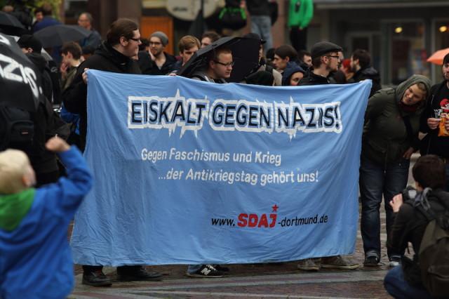 """""""Eiskalt gegen Nazis!"""""""