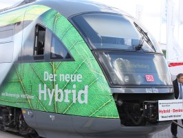 Hybrid Desiro der Bahn