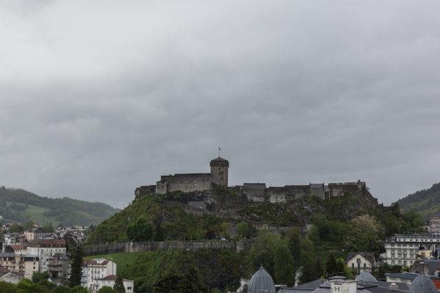 Blick zum Château fort de Lourdes