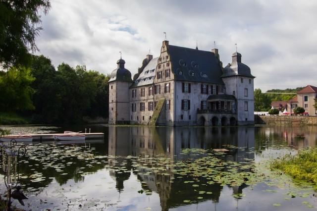 das um 1300 von Ritter Giselbert I. erbaute Wasserschloss