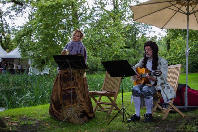 musikalische Aufführung in historischem Gewand