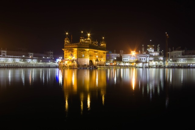 Harmandir Sahib bei Nacht (1)