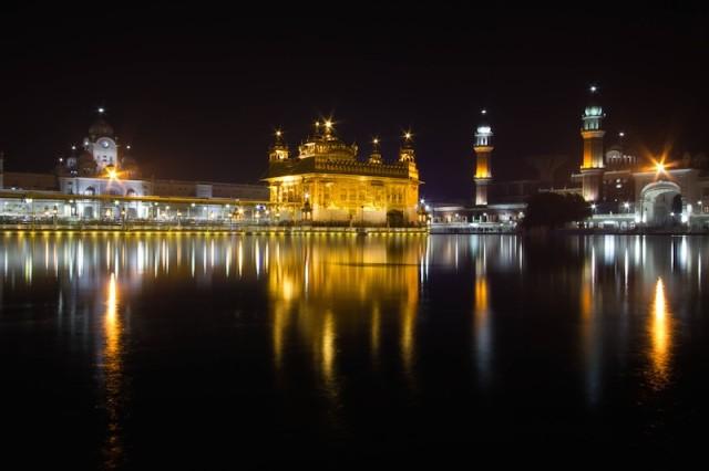 Harmandir Sahib bei Nacht (2)