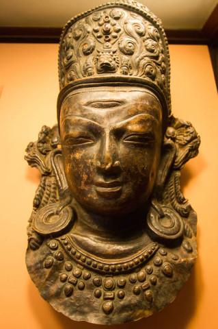 Göttin Indra, 9.-10. Jahrhundert