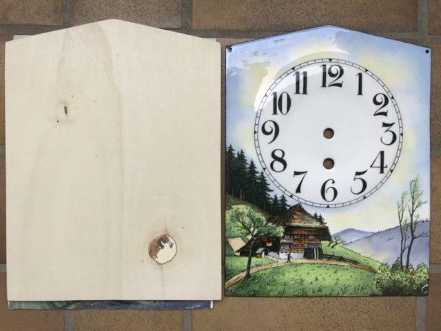 Holzplatte und Zifferblatt