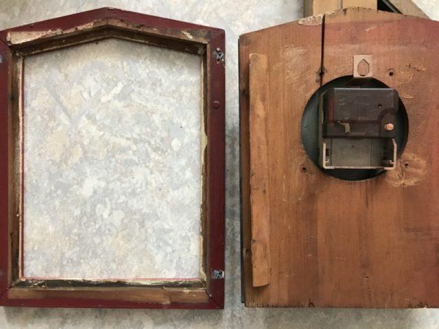 herausgenommene Holzplatte