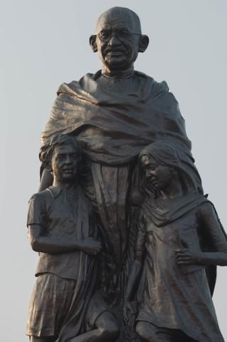 Bronzestatue von Mahatmar Gandhi