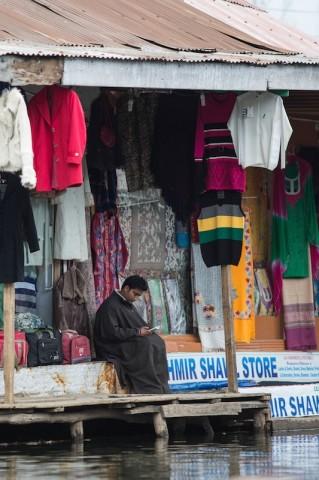 Markt auf dem Dal Lake