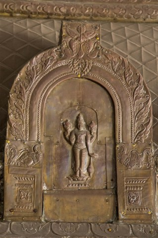 Metallrelief im Sri Ranganachiyar Thayar Sannithi