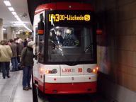 Niederflurbahn NGT8 von vorne