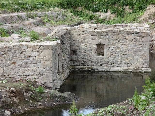 Ruinen vom 1560 erbauten Burgturm