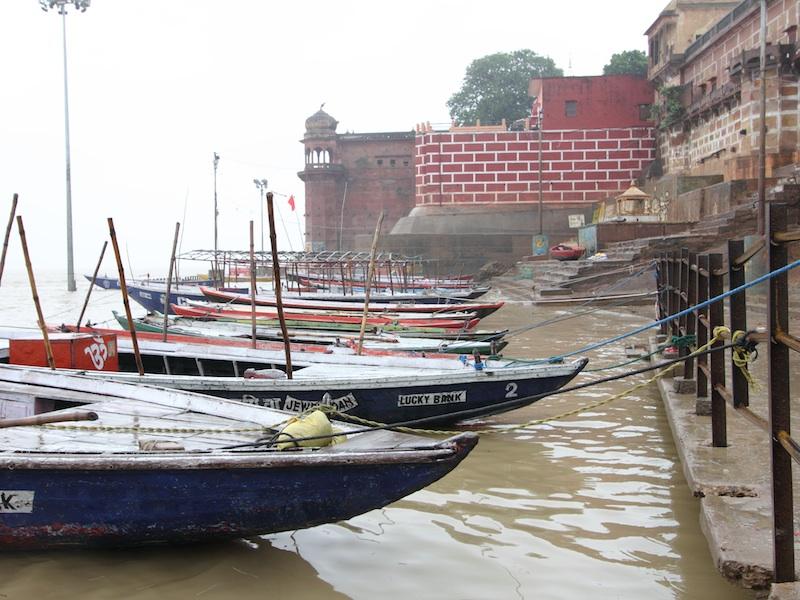 Shivala Ghat als Ankerplatz der Boote